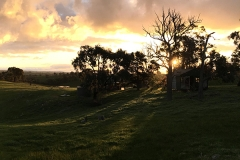 Hut-on-the-hill-heathcote-600px-hills-right